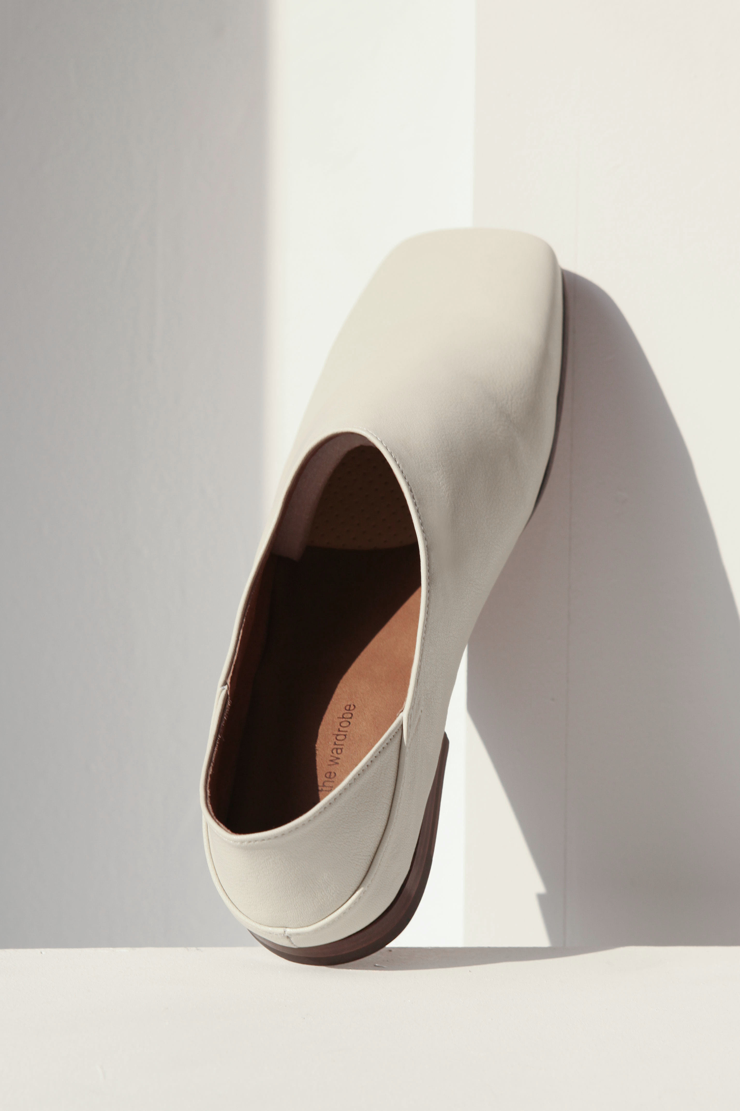 MINIMAL Italy Leather Fold-Back Loafers_Cream
